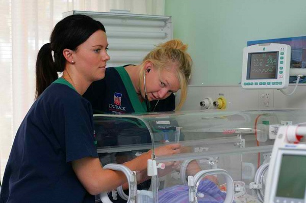 how to become a NICU nurse