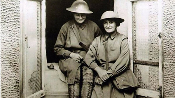 women nurses world war one