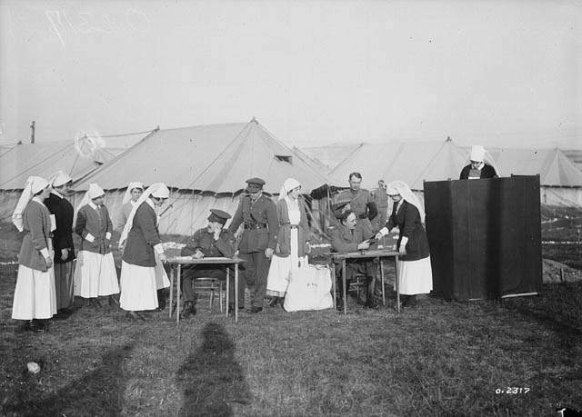 nurses at war camps