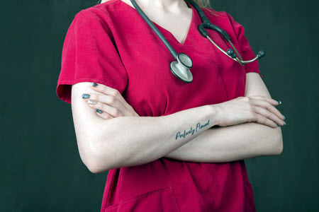 nurse-with-tattoo