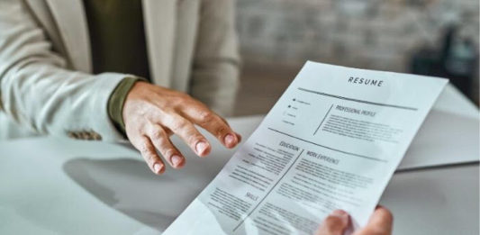 common mistakes nurses make in their resumes